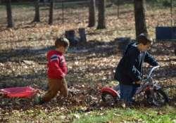 Gyerekek ősszel a szabadban